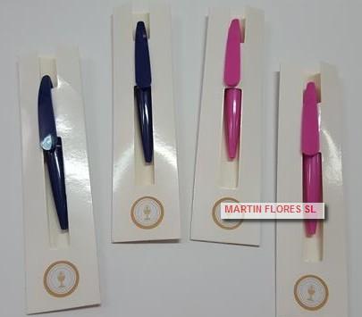 Bolígrafo rosa tableta blanca comunión